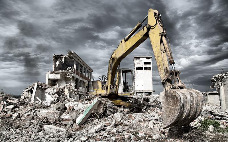 Професійне знесення старих будівель: переваги